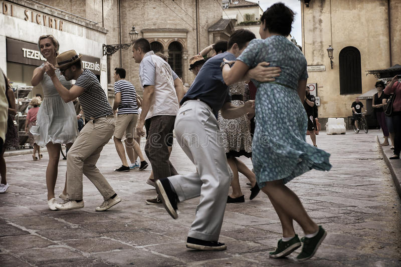 Lindy Hop Flash Mob stock afbeelding