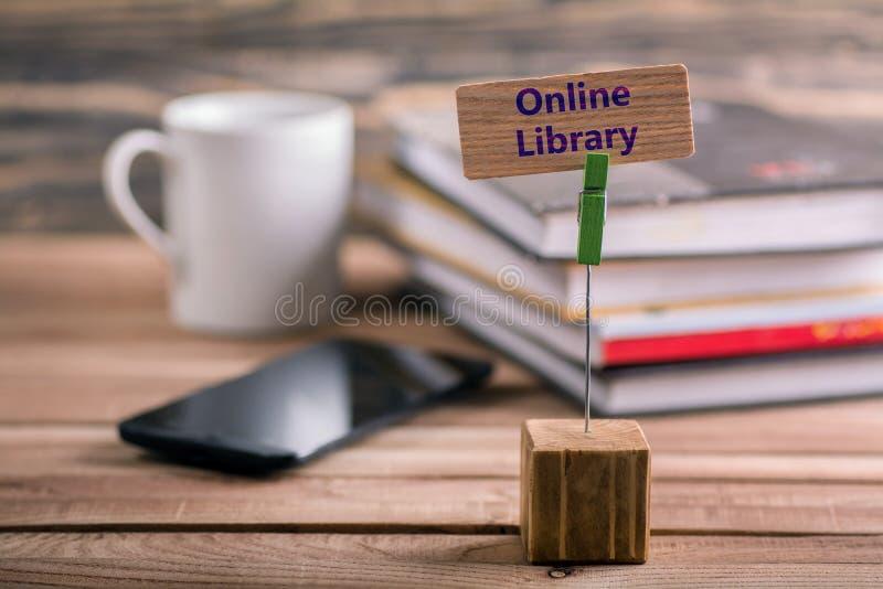 On-line-Bibliothek lizenzfreie stockfotos