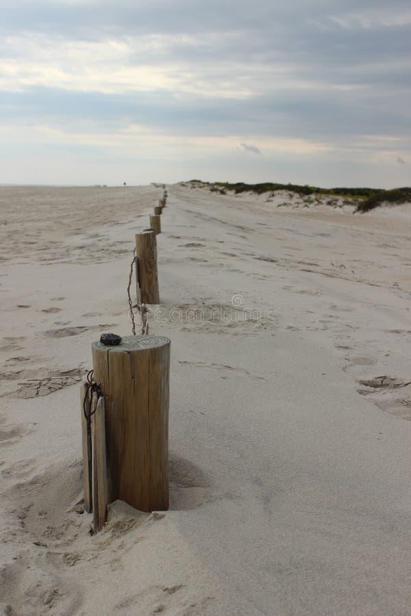 Linea alla spiaggia immagini stock libere da diritti