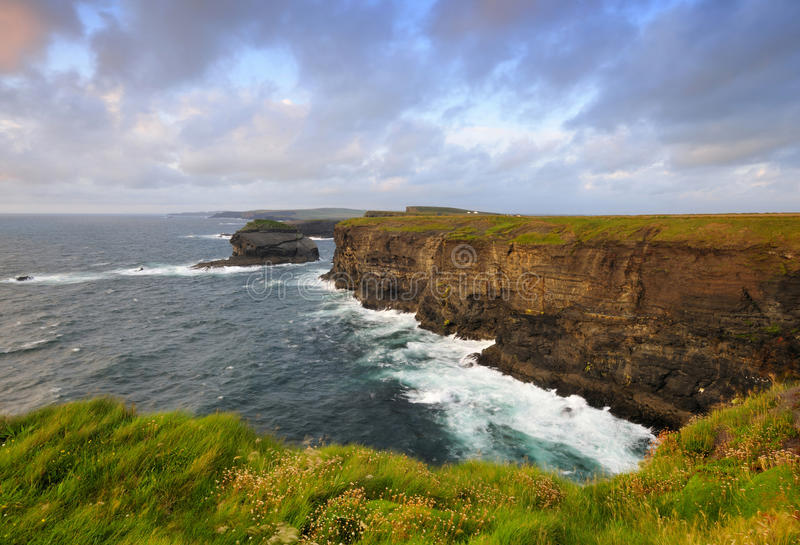 Linea costiera ad ovest della Clare immagine stock