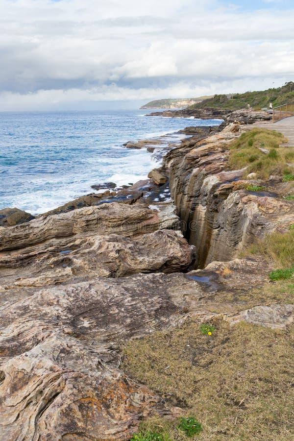 Linea costiera del Nuovo Galles del Sud vicino alla baia d'acqua dolce, Sydney, Australia fotografia stock