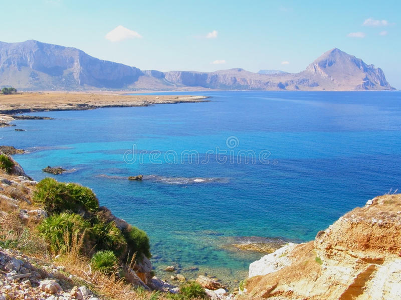 Linea costiera della Sicilia (Italia) fotografia stock libera da diritti