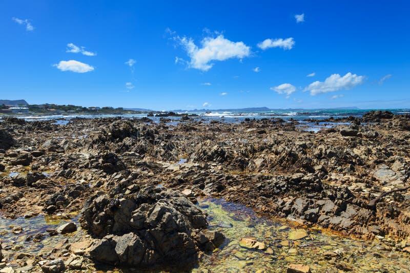 Linea costiera di Gansbaai Sudafrica. immagini stock