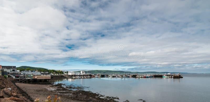 Linea costiera di Nova Scotia di primavera a giugno immagini stock libere da diritti