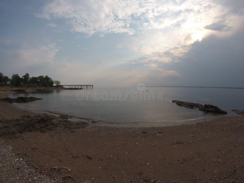 Linea costiera nascosta dell'oceano fotografia stock libera da diritti