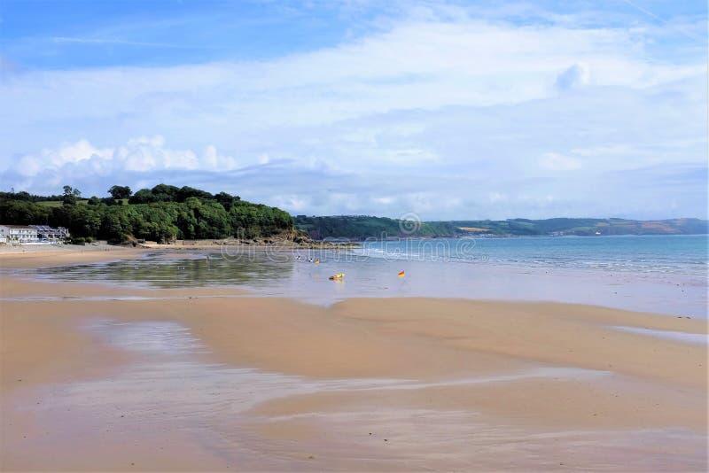 Linea costiera, Saundersfoot, Galles del sud, Regno Unito immagini stock libere da diritti