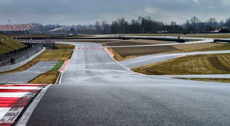 Linea della pista del circuito automobilistico fotografia stock libera da diritti