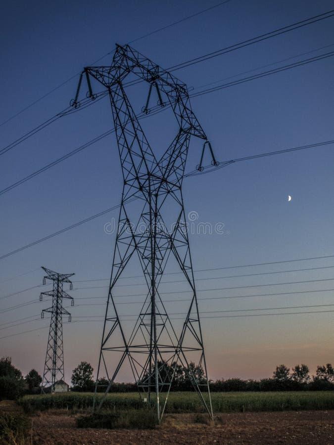 Linea della trasmissione tower fotografia stock libera da diritti