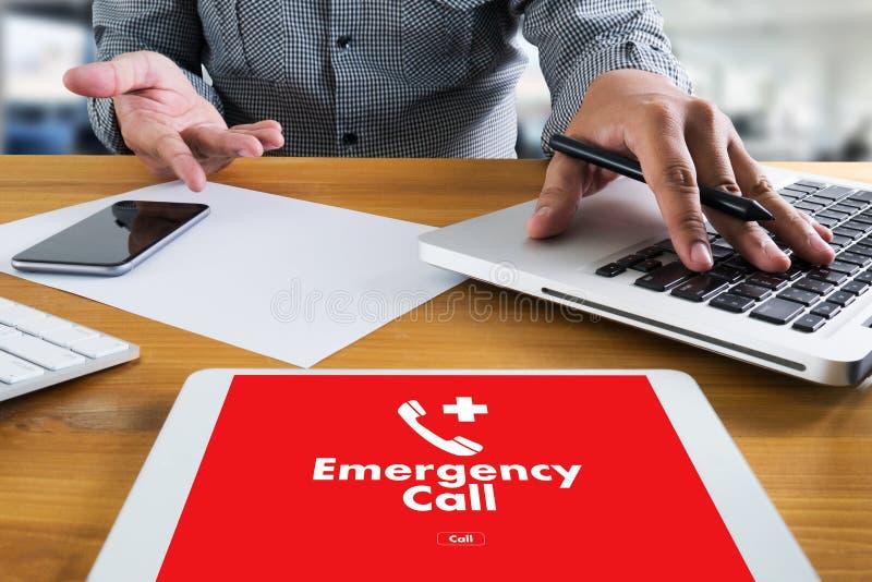 Linea diretta accidentale urgente di servizio della call center di emergenza medica fotografie stock libere da diritti