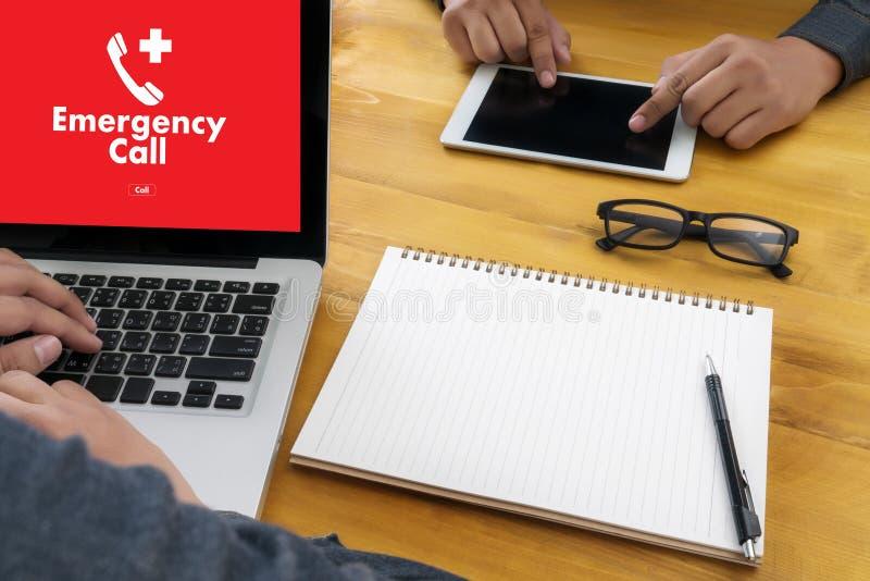 Linea diretta accidentale urgente di servizio della call center di emergenza medica fotografie stock