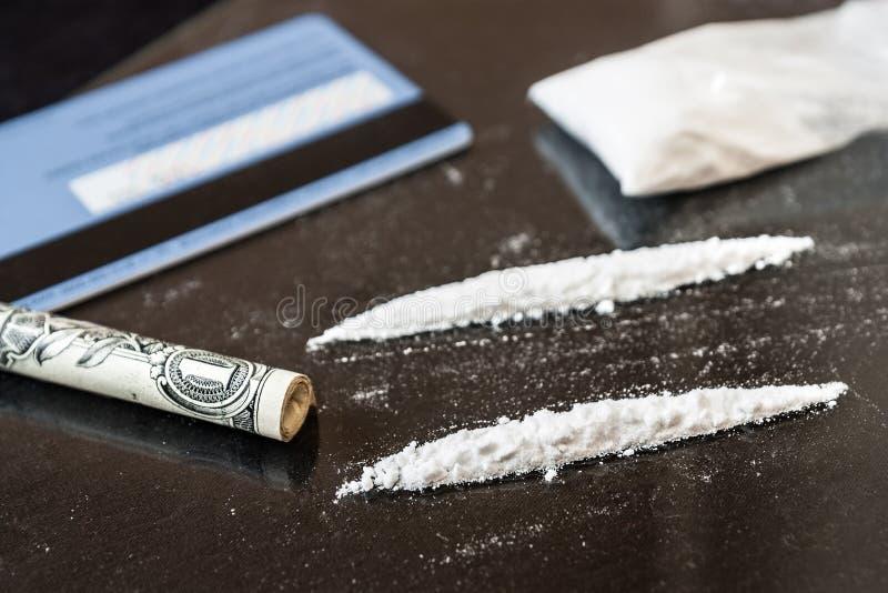 Linea due di cocaina immagine stock