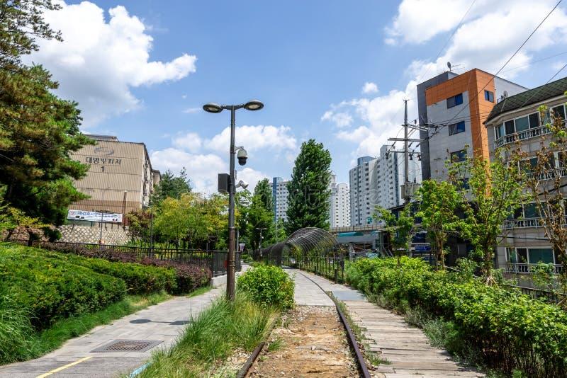 Linea parco di Gyeongchun della ferrovia fotografie stock