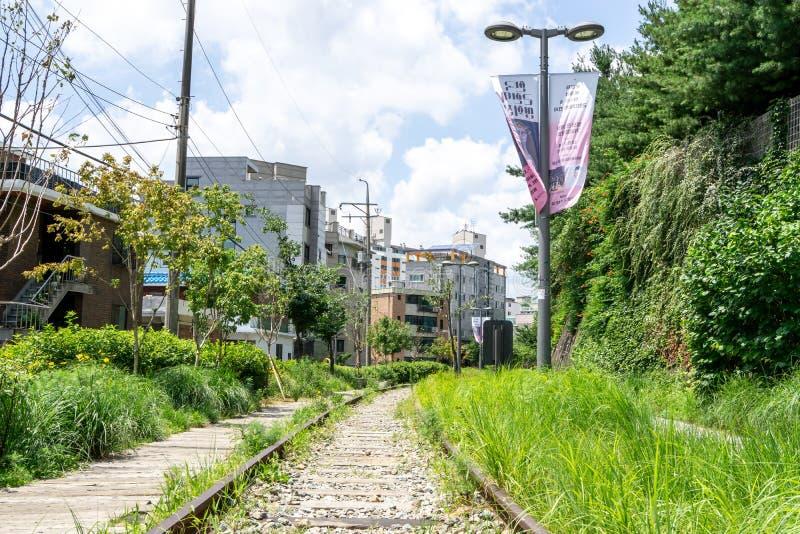 Linea parco di Gyeongchun della ferrovia fotografia stock