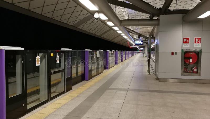 Linea porpora di Skytrain a Bangkok fotografie stock libere da diritti