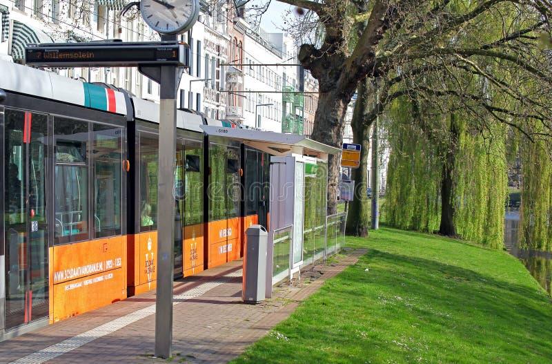 Linea tranviaria nel centro della città Rotterdam, Paesi Bassi fotografia stock libera da diritti