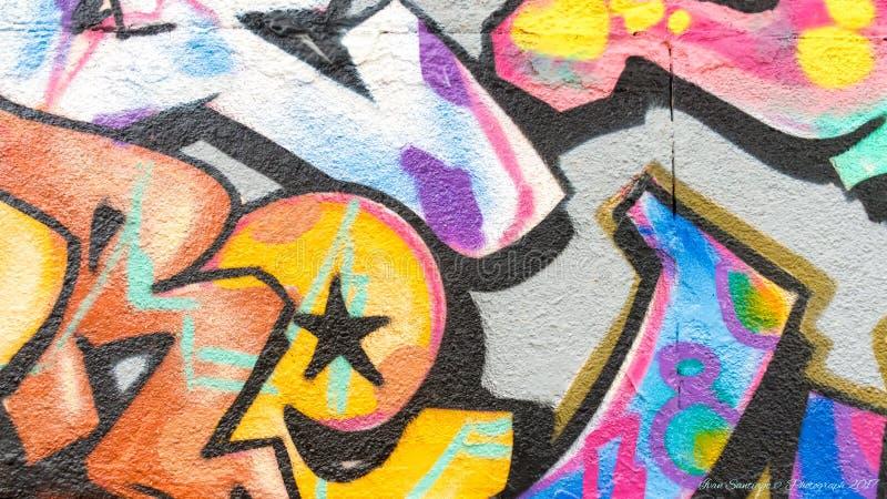 Linee e colori dei graffiti immagini stock