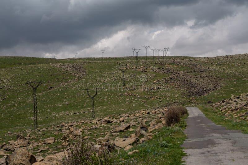 Linee elettriche neutralizzate senza cavi all'aperto fotografia stock libera da diritti