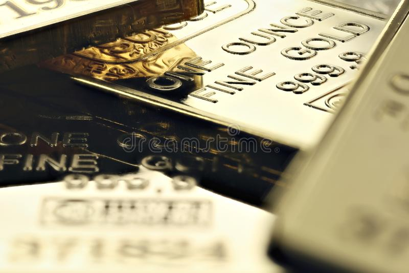 Lingotes do ouro imagens de stock