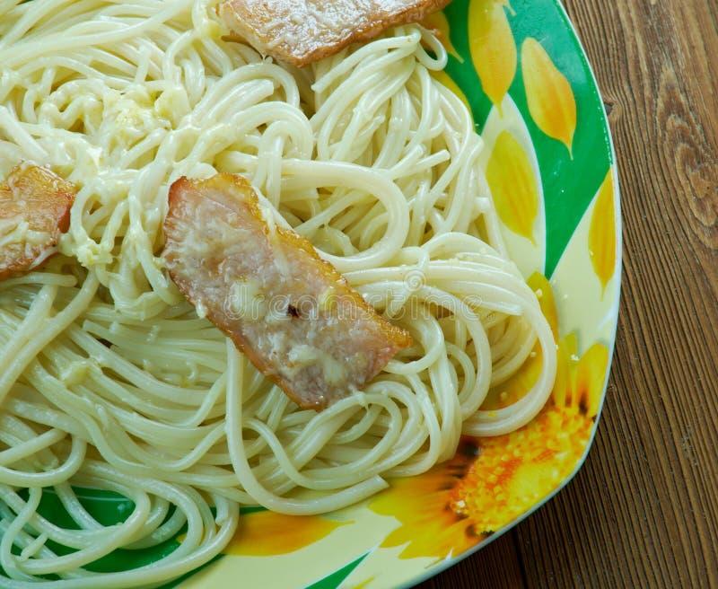 Linguine com bacon e queijo imagem de stock