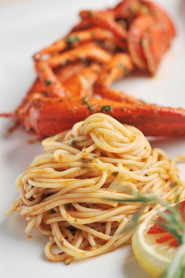 Linguine da massa do marisco com lagosta fresca fotos de stock royalty free