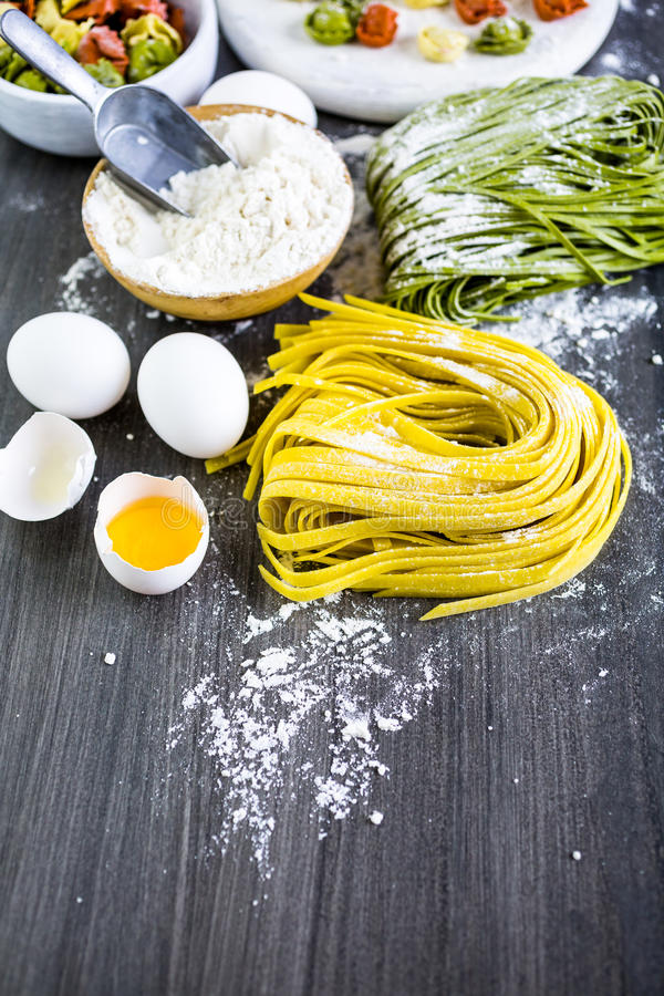 Linguine pasta. Making homemade linguine pasta with farm fresh produce stock images
