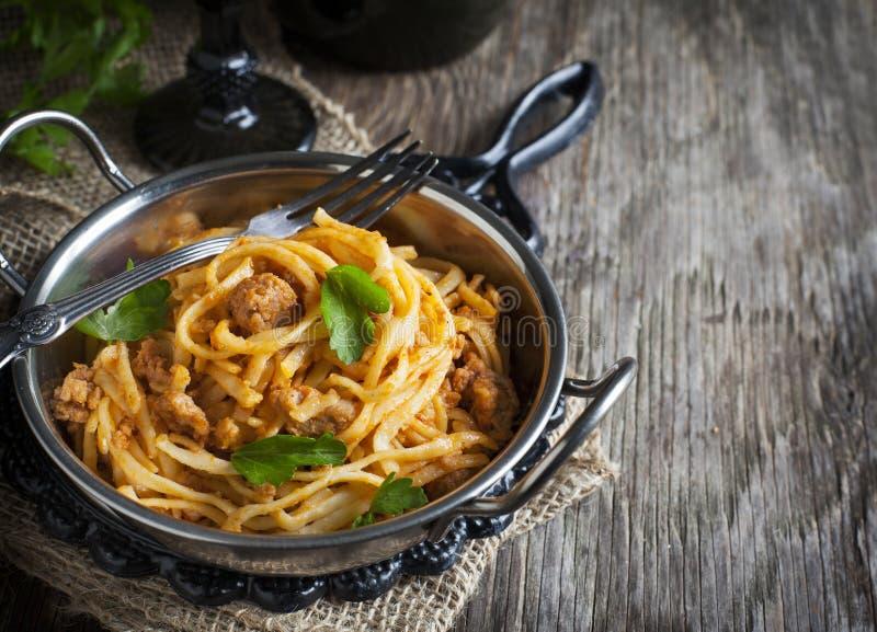 Linguine z mięsnym pomidorowym kumberlandem obraz stock