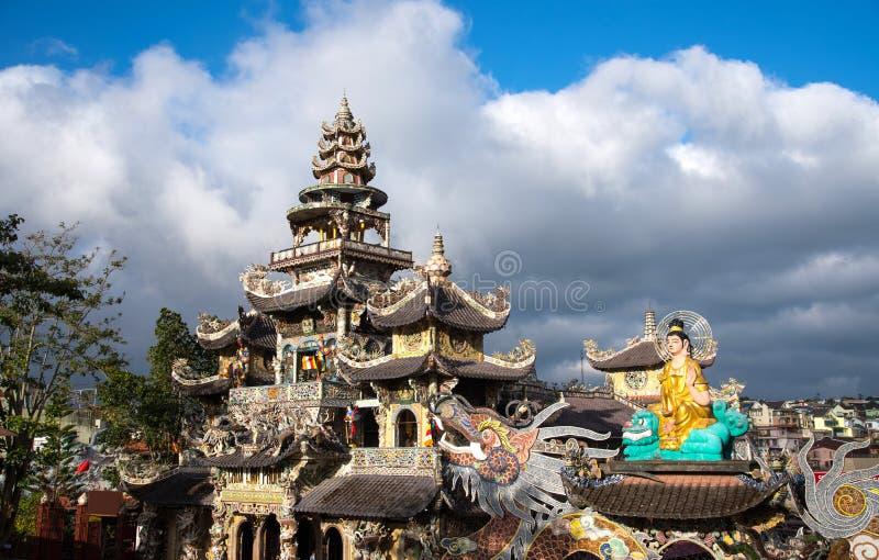 Linh Phuoc塔在大叻市,越南 库存图片