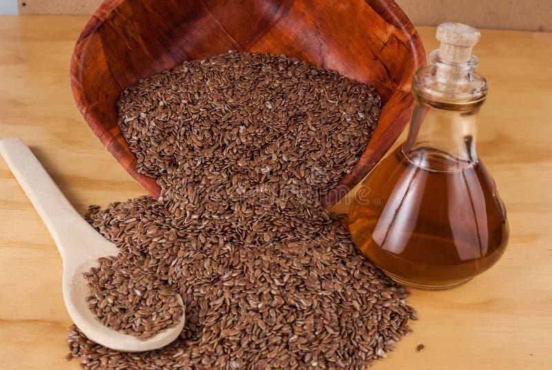 Linhaça das sementes de linho para impedir doenças e controlar o excesso de peso imagens de stock