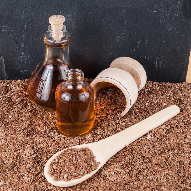 Linhaça das sementes de linho para impedir doenças e controlar o excesso de peso imagem de stock
