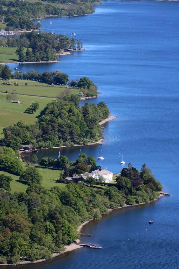 A linha costeira de Ullswater de Hallin caiu, distrito do lago imagens de stock royalty free