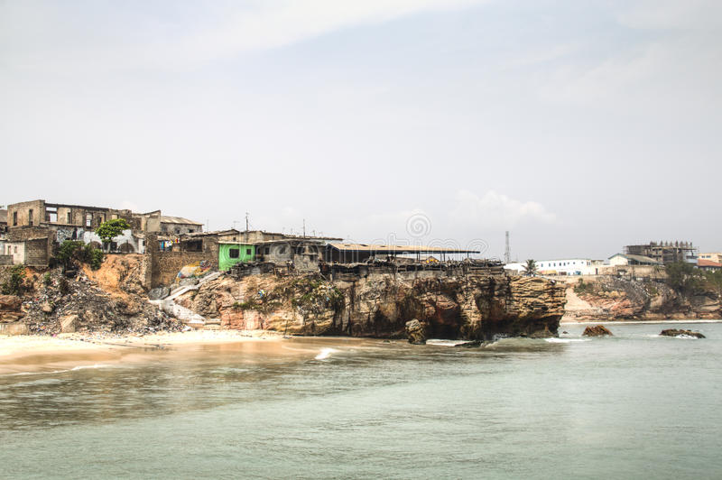 A linha da costa de Jamestown, Accra, Gana foto de stock royalty free
