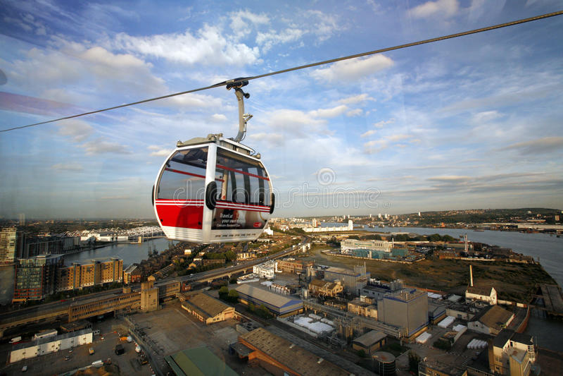 Linha de ar do emirado do transporte de Londres, teleférico de Londres Tamisa foto de stock