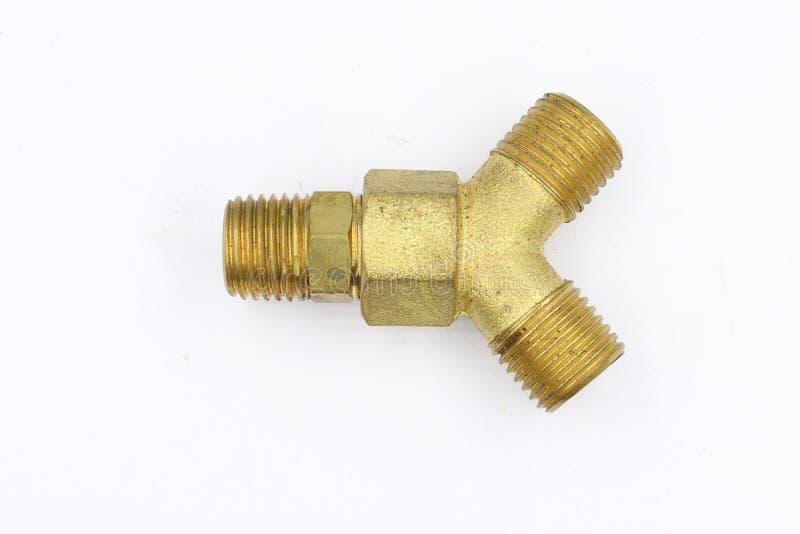 Linha de bronze da união do acoplamento do adaptador das maneiras dos encaixes 3 isolada no fundo branco foto de stock royalty free