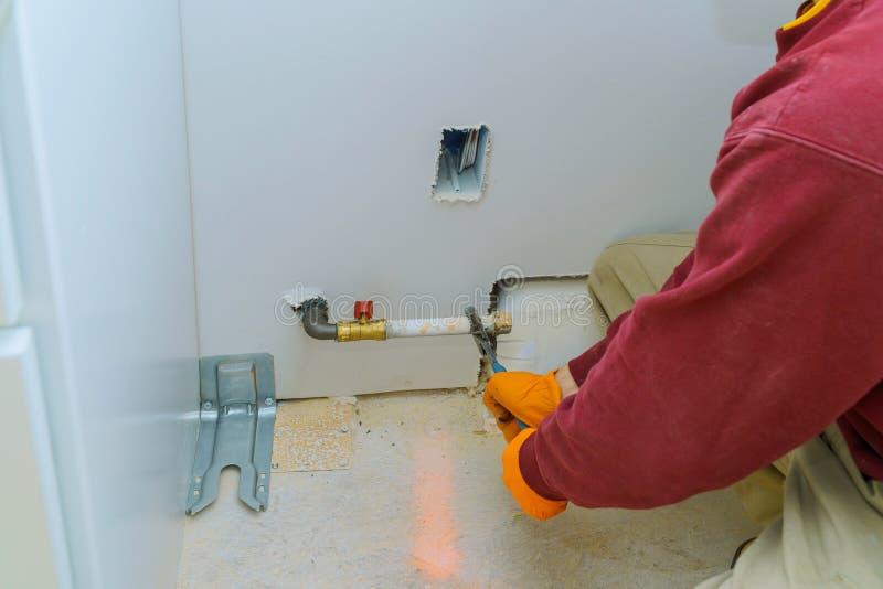 linha de gás do dispositivo da separação do gás natural para intoxicar o worktop perto do hob imagem de stock