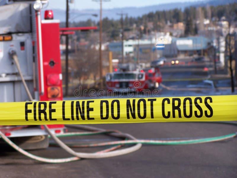 A linha de incêndio não se cruza fotografia de stock