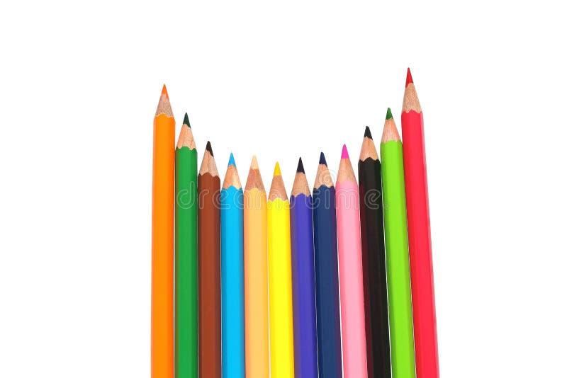 Linha de lápis coloridos no fundo branco imagens de stock royalty free
