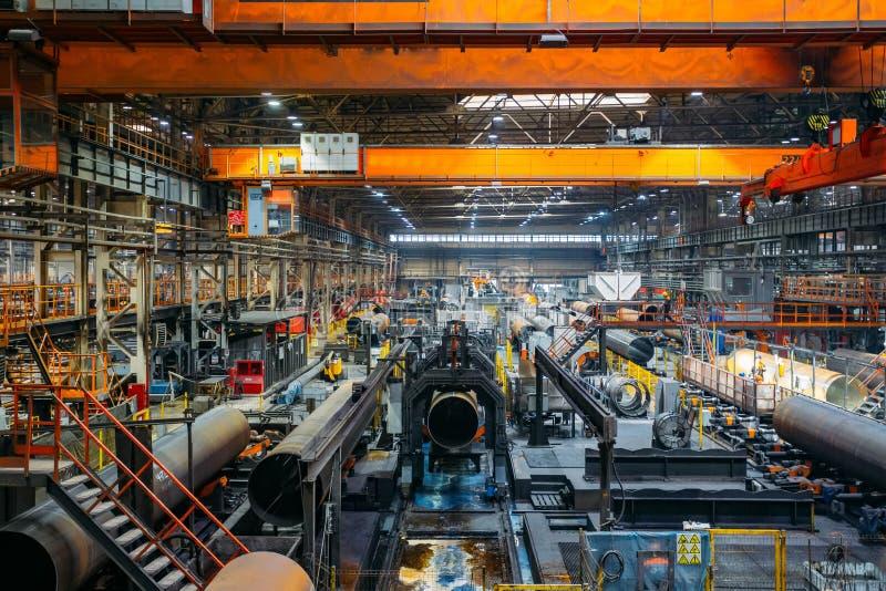 Linha de produção da fábrica da tubulação fotografia de stock royalty free