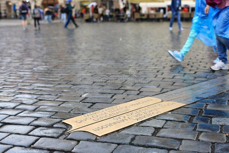 Linha de quadrado meridiano em Praga foto de stock