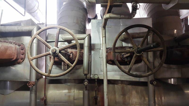Linha de vapor principal grande das válvulas imagens de stock
