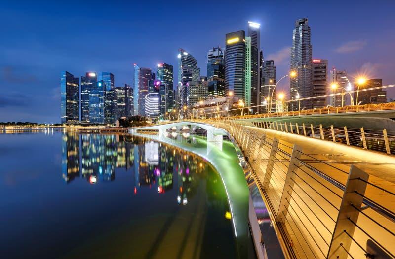 Linha do horizonte de Singapura com arranha-céu - Ásia foto de stock
