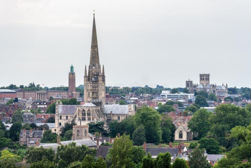 Linha do horizonte Norwich de uma colina próxima imagens de stock