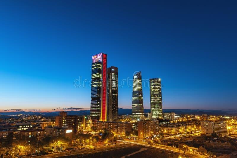 Linha do horizonte noturno da Espanha fotografia de stock