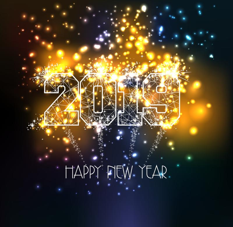 Linha 2019 do triângulo do ano novo feliz tipo em efeitos das luzes mágicos coloridos dos fogos-de-artifício ilustração do vetor