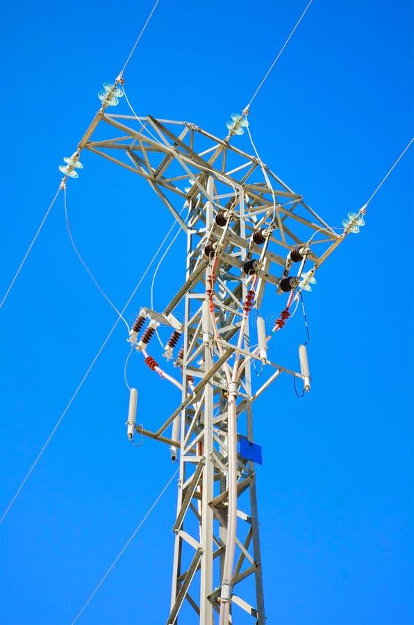 Linha elétrica de alta tensão detalhada fotos de stock royalty free