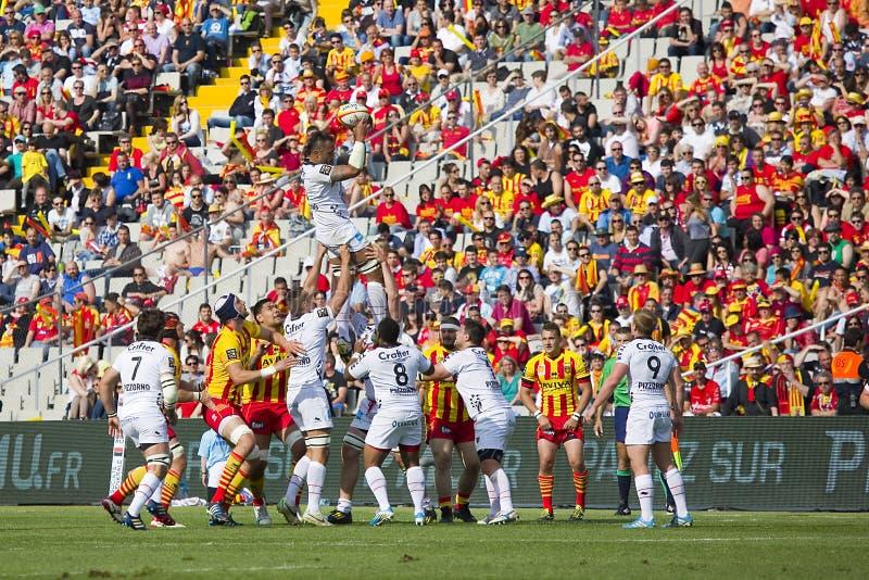 Linha para fora ação do rugby fotografia de stock