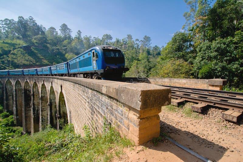 A linha principal estrada de trilho em Sri Lanka imagem de stock