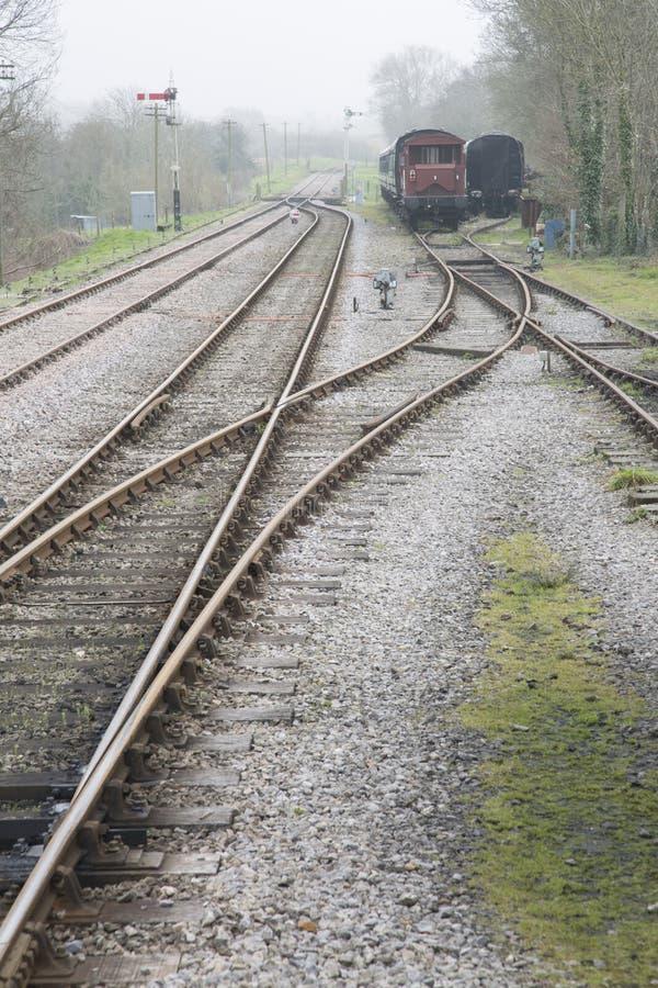 Linha Railway velha com transportes imagem de stock royalty free