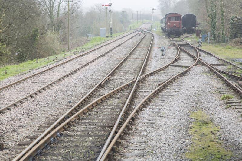 Linha Railway velha com transportes imagens de stock