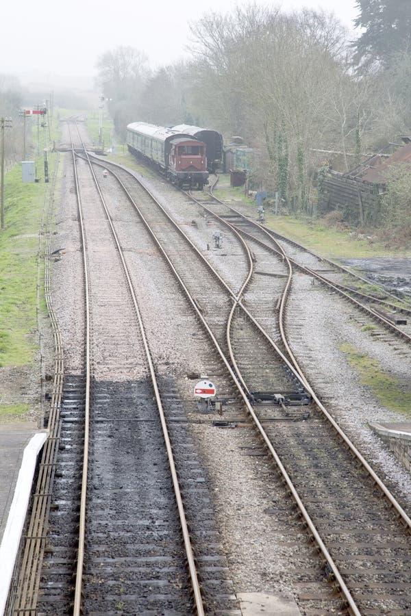 Linha Railway velha com transportes fotos de stock