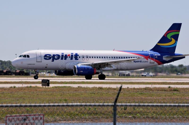 Linhas aéreas Airbus A320 do espírito fotografia de stock royalty free